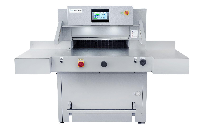 Service & Print schneidet mit einer Grafcut 73H